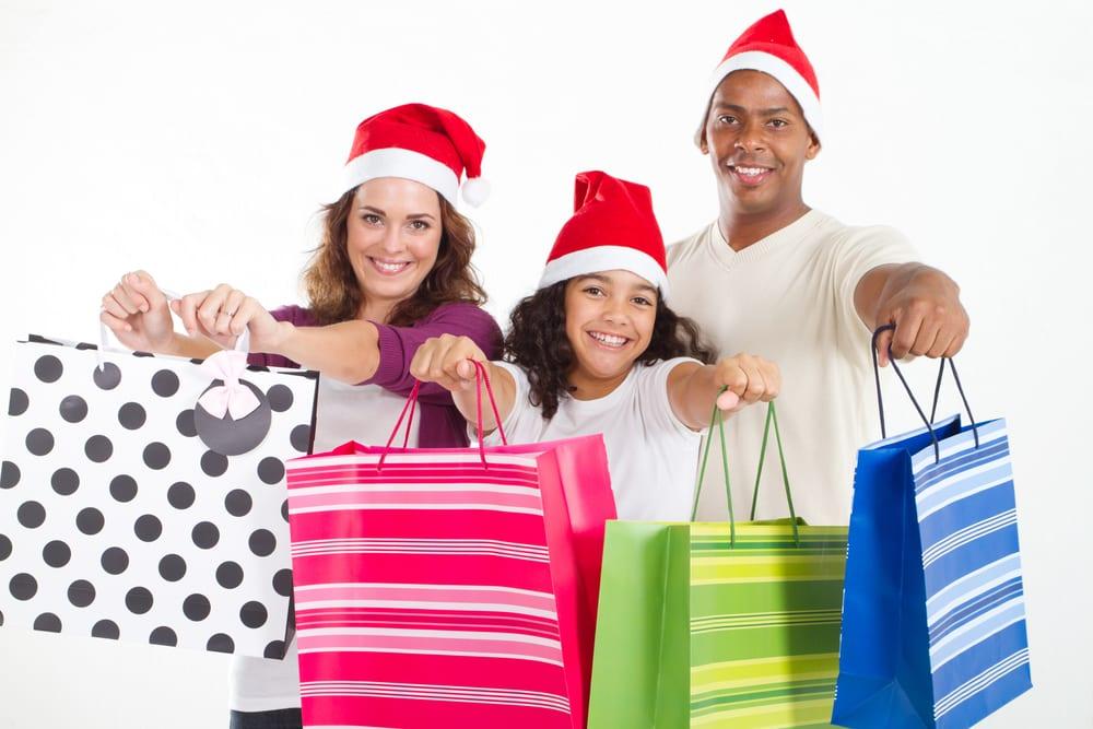 [family Christmas shopping]